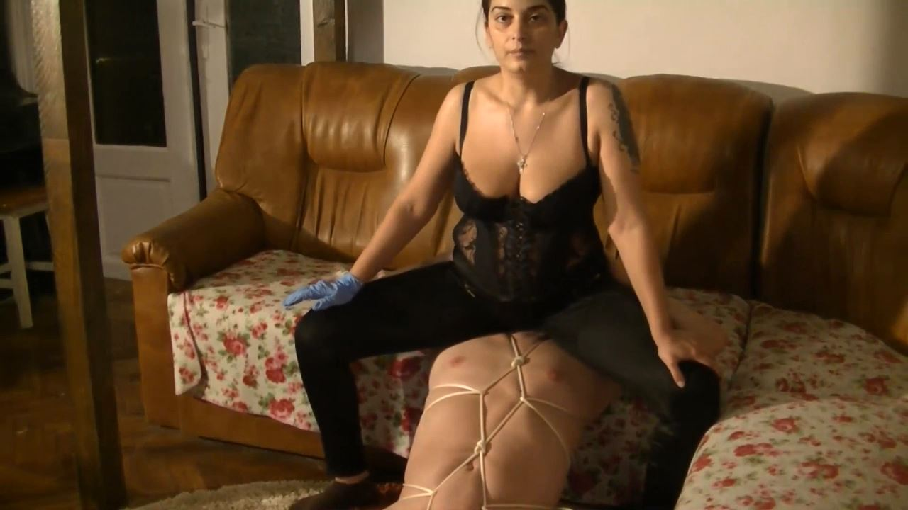 Mistress Roberta In Scene: Farting in bondage and humiliation - BIZARRE GODDESSES FROM ROMANIA - HD/720p/MP4