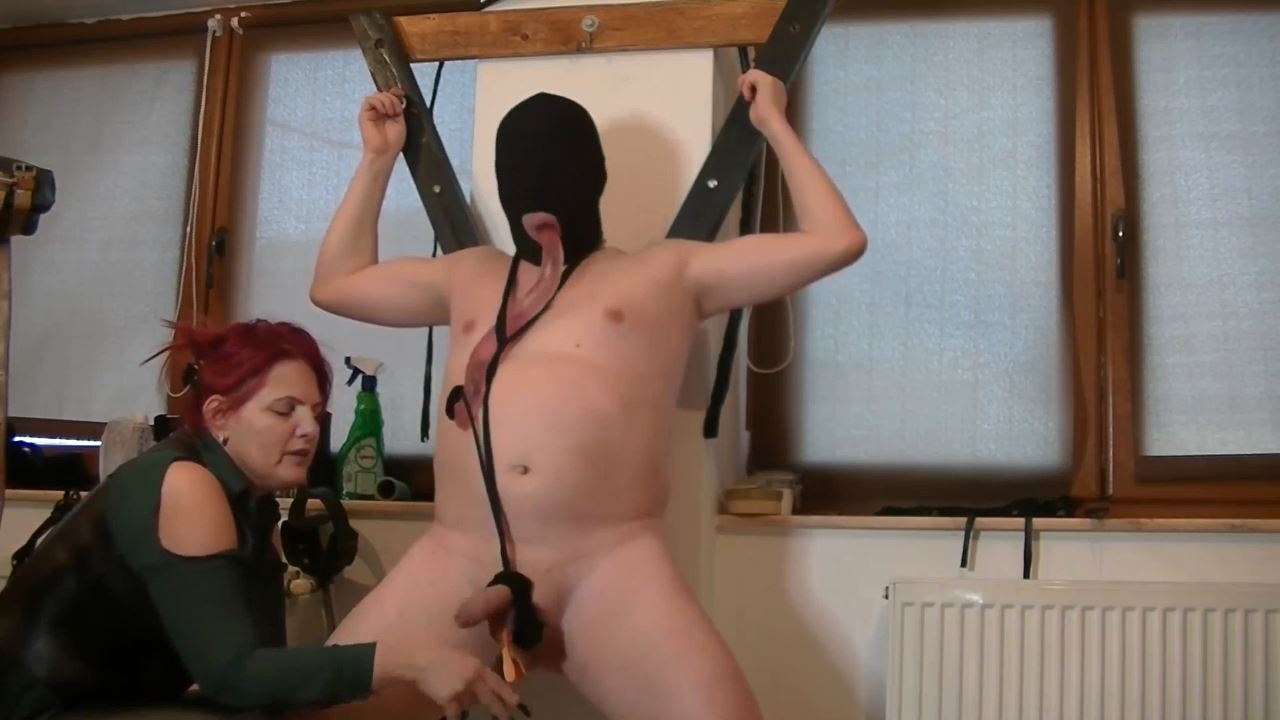 Goddess Andreea In Scene: Cbt pussy and ass sucking - BIZARRE GODDESSES FROM ROMANIA - HD/720p/MP4