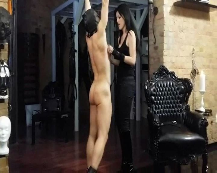 Mistress Blackdiamoond In Scene: Tickle Torture To The Piss - BLACKDIAMOOND - SD/576p/MP4