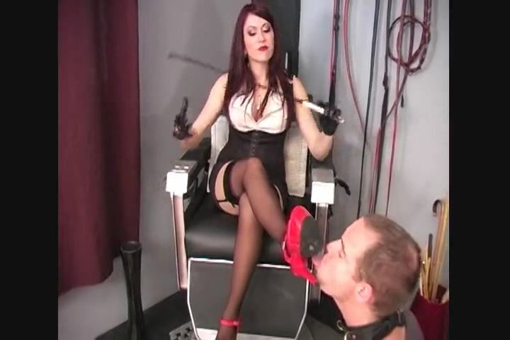 Goddess Deanna In Scene: BECOMING ADDICTED TO GODDESS DEANNA`S FEET - CRUDELIS AMATOR BALLBUSTING FETISH - SD/480p/MP4
