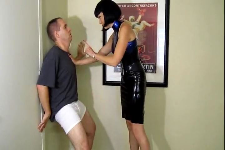 Mistress Jean Bardot In Scene: Jean Bardot Kicking Some Balls - CRUDELIS AMATOR BALLBUSTING FETISH - SD/480p/MP4