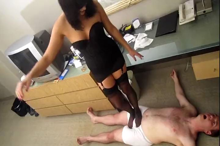 Mistress Dixie Comet In Scene: Stockinged Foot Trampling - CRUDELIS AMATOR BALLBUSTING FETISH - SD/480p/MP4