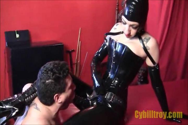 Mistress Cybill Troy In Scene: Cock-Sucking Ashtray - CYBILL TROY`S DTLA DOMINAS / CYBILLTROY - SD/480p/MP4