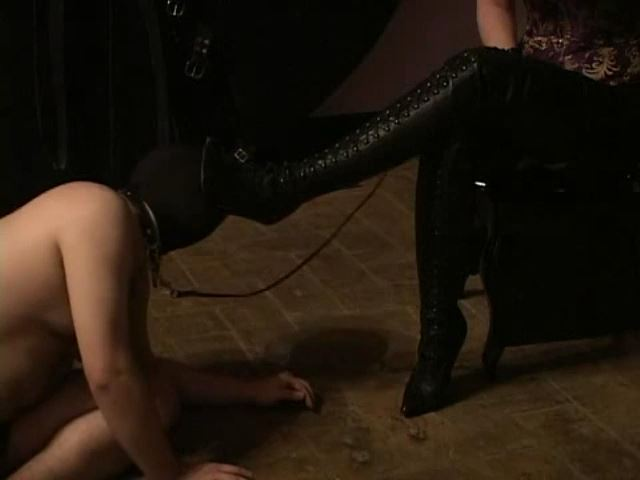 Domina M In Scene: Rubber Dog, El Esclavo, Sweet Taste of Leather Boots - DOMINA M`s SLAVE TRAINING - SD/480p/MP4