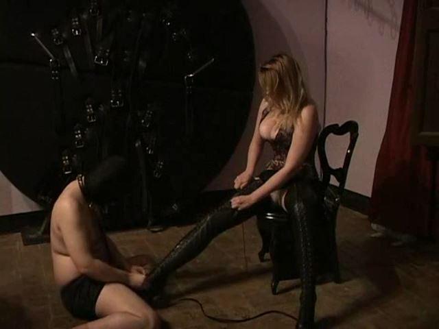 Domina M In Scene: Rubber Dog, El Esclavo, Dressing the Mistress in Boots - DOMINA M`s SLAVE TRAINING - SD/480p/MP4