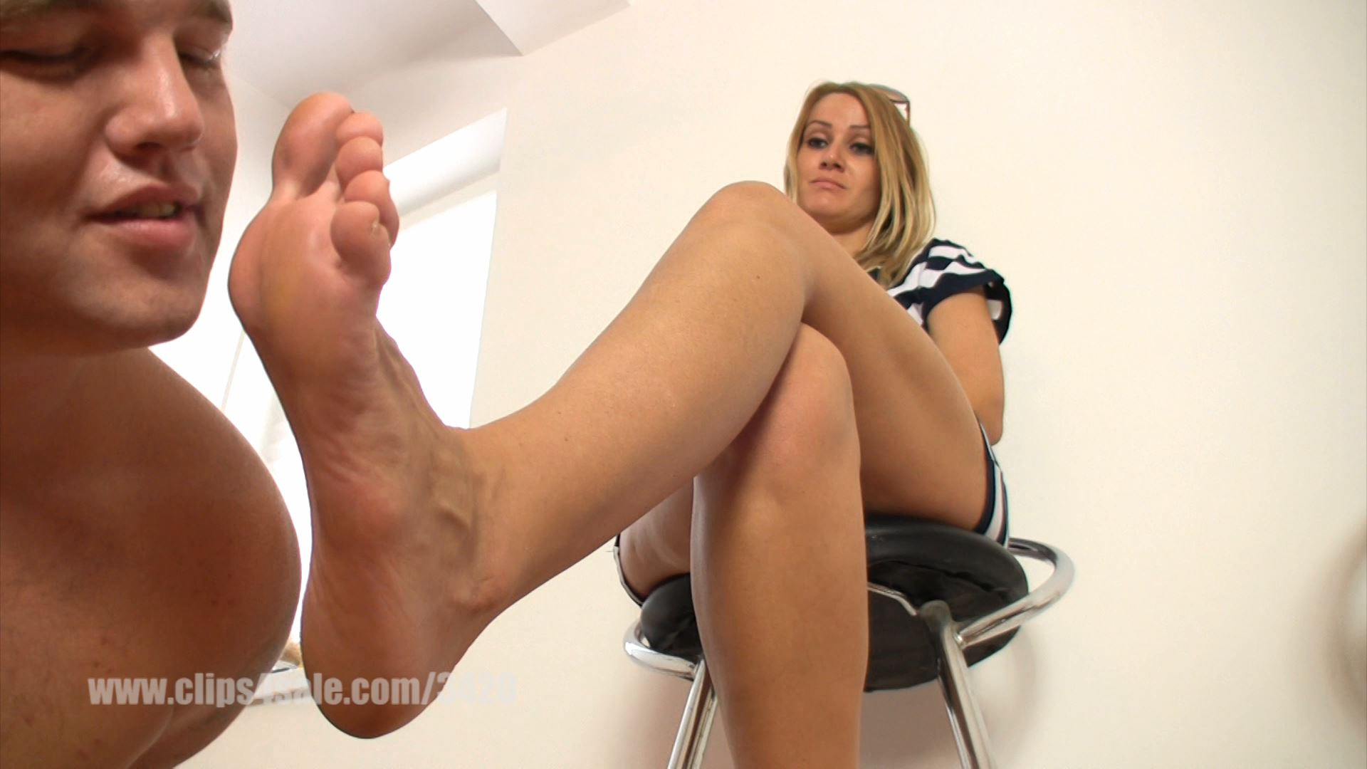 The loser smells and kisses Lady Demona sweaty bare feet - ELEGANTFEMDOM - FULL HD/1080p/MP4