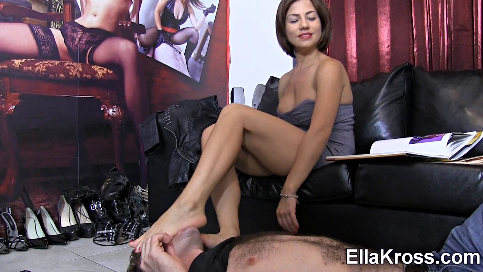Ella Kross In Scene: Dirty Foot Sucking and Worship - ELLAKROSS - FULL HD/1080p/MP4
