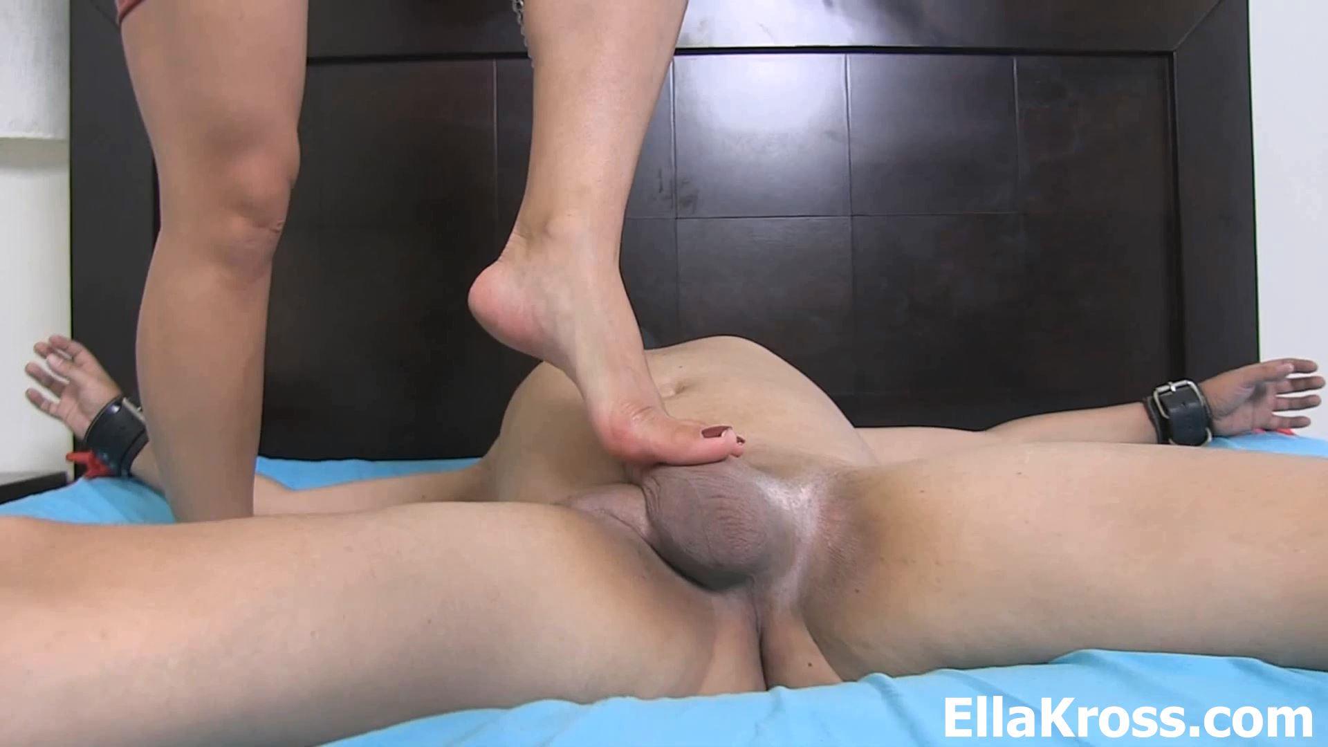 Ella Kross In Scene: I catch my stepson jerking-off - ELLAKROSS - FULL HD/1080p/MP4