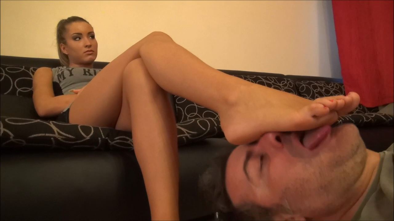 ARIEL - TRAINING FOR THE FETISH PART Y - WORSHIP MY FEET, YOU WILL DO IT ALL NIGHT - FOOT WORSHIP NON STOP PART 1 - FOOTDOMINAS - HD/720p/MP4