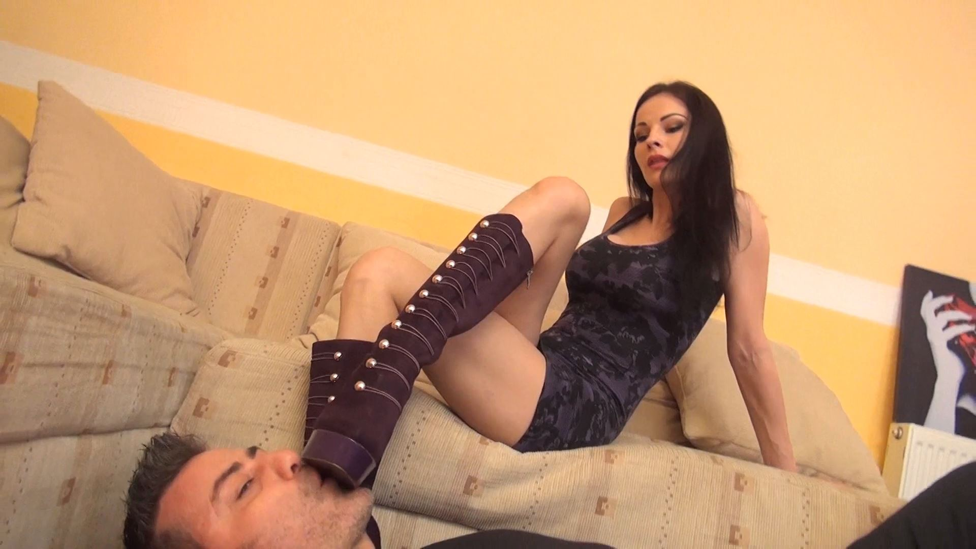 ABBIE CAT - WORSHIP MY FASHION BOOTS, SLAVE - BOOT DOMINATION PART 2 - FOOTDOMINAS - FULL HD/1080p/MP4