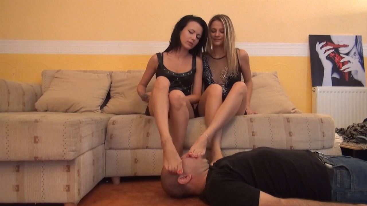 VERONICA AND NATALIE - FACE UNDER 4 FEET - FOOT WORSHIP AND FOOTDOM PART 1 - FOOTDOMINAS - HD/720p/MP4