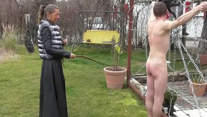 Frau Captain's In Scene: Outdoor whipping - DEUTSCHE DOMINAS / GERMANY FEMDOM - SD/406p/MP4