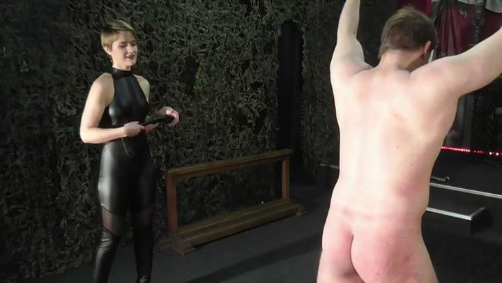 Miss Athena In Scene: Whipped - DEUTSCHE DOMINAS / GERMANY FEMDOM - SD/406p/MP4