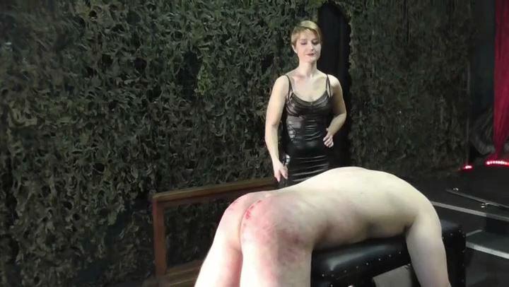 Miss Athena In Scene: Hard Whipping - DEUTSCHE DOMINAS / GERMANY FEMDOM - SD/406p/MP4