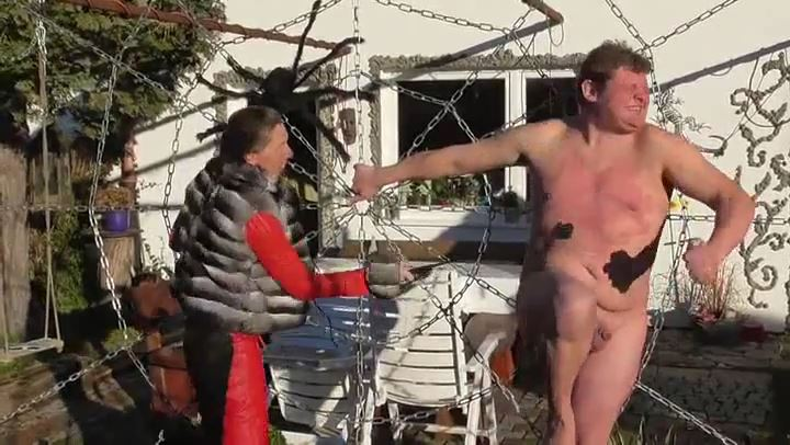 Frau Captain's In Scene: Punishment with the device - DEUTSCHE DOMINAS / GERMANY FEMDOM - SD/406p/MP4