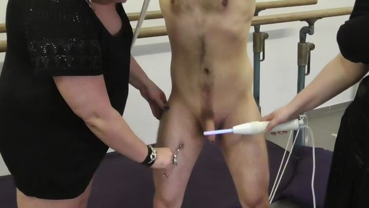BBW Girls In Scene: Electricity Torture - DEUTSCHE DOMINAS / GERMANY FEMDOM - SD/406p/MP4