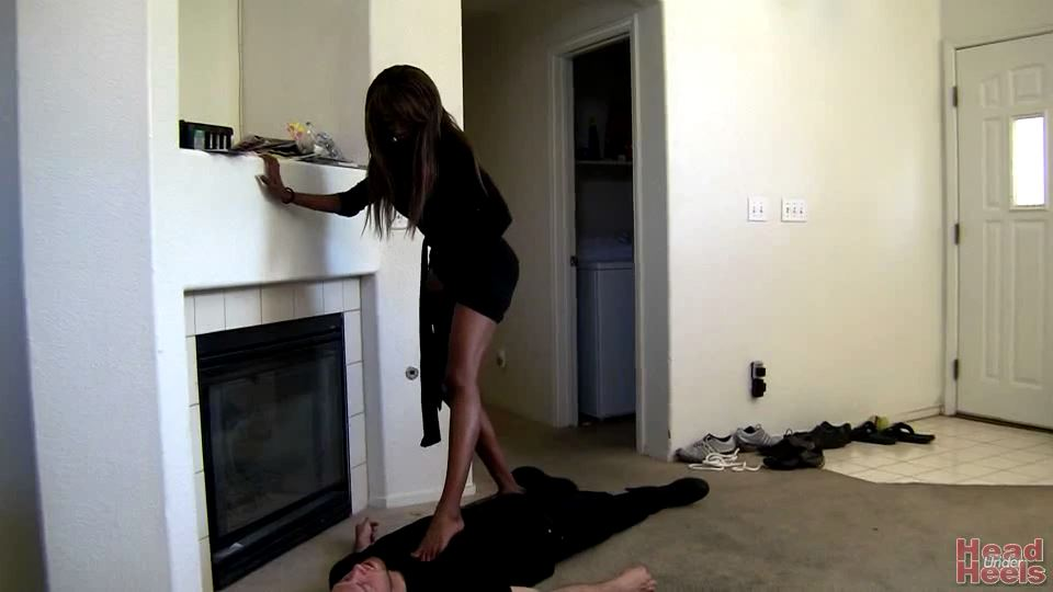Ebony Goddess tramples on her white slave boy - HEADUNDERHEELS - SD/540p/MP4