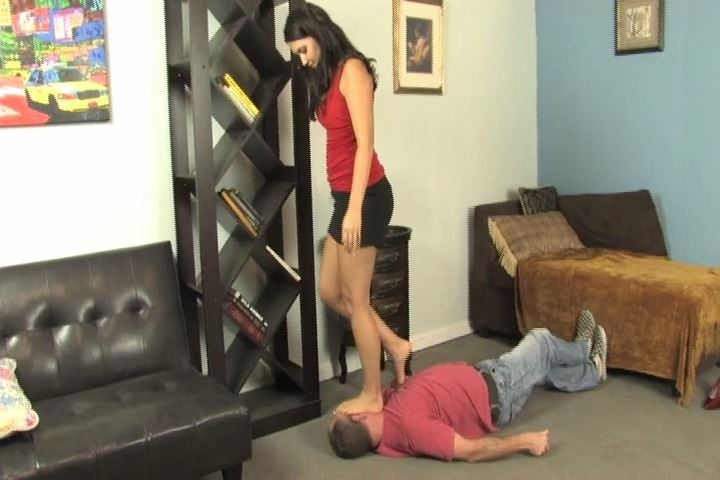 Mistress Michelle is angry at her lazy slave - HEADUNDERHEELS - SD/480p/MP4