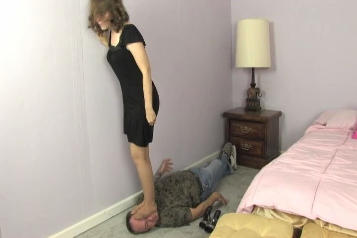 Ladies Floor is one happy man in the video - HEADUNDERHEELS - SD/480p/MP4