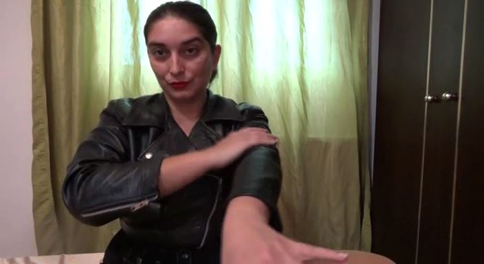 MISTRESS ROBERTA In Scene: Worship my leather jacket and my leather miniskirtpov - HOUSE OF PAIN - LQ/384p/MP4