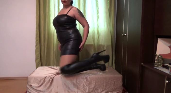 MISTRESS ROBERTA In Scene: Worship my over the knee boots and my party dresspov - HOUSE OF PAIN - LQ/384p/MP4