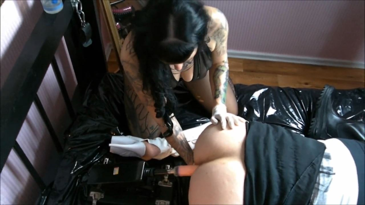 Lady Vampira In Scene: BI-SLAVE-GANG-BANG PART 2. 3 TIMES USE OF THE 2 HOLE MARE - PIN UP DOMINATION BY LADY VAMPIRA - HD/720p/MP4
