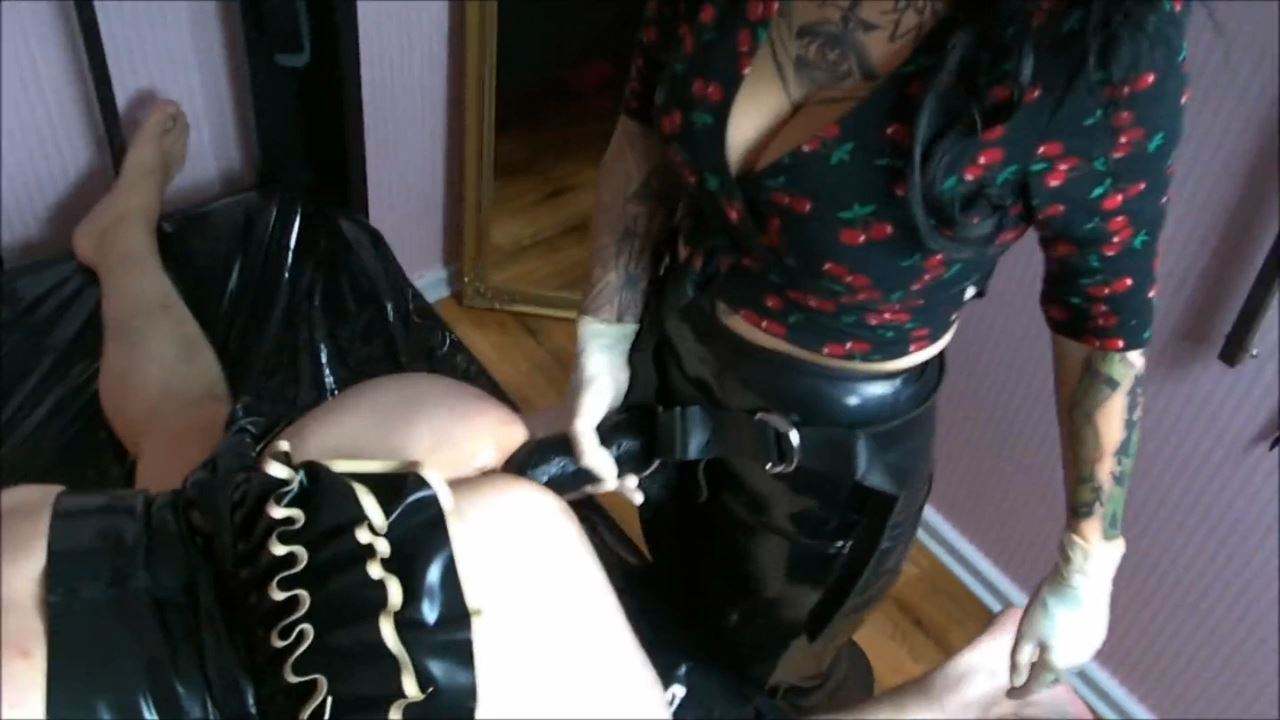 Lady Vampira In Scene: HOLES LIKE A WHORE PART 2 - PIN UP DOMINATION BY LADY VAMPIRA - HD/720p/MP4