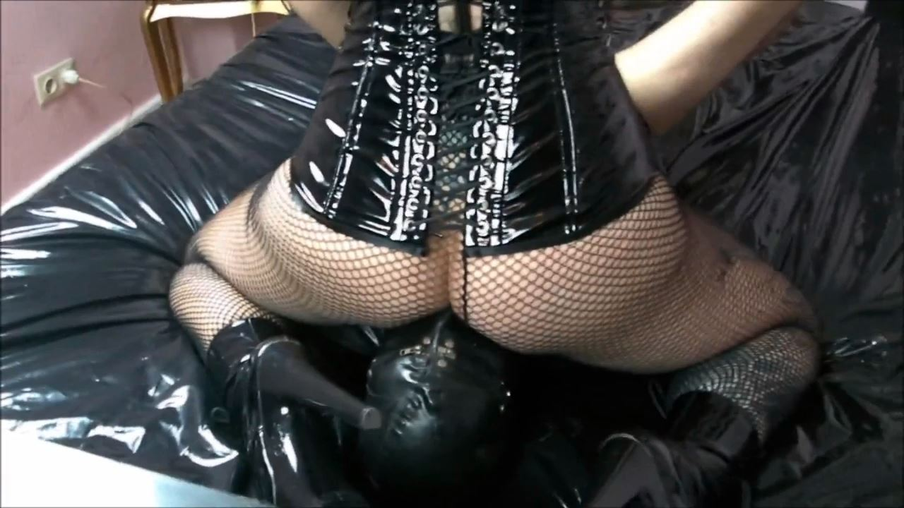 Lady Vampira In Scene: FEMDOM CONTROL - PIN UP DOMINATION BY LADY VAMPIRA - HD/720p/MP4