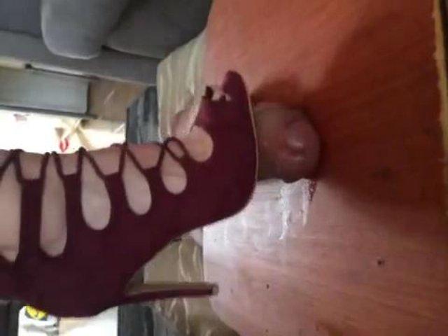 Goddess Cruel Carmz In Scene: Crush with red high heels - CRUEL COCK AND BALL CRUSHING - LQ/360p/MP4