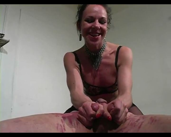 Smothered and Crushed - MISTRESS TRISH - SD/576p/MP4