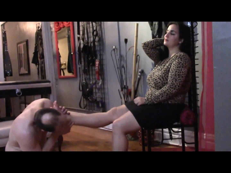 Mistress Xena In Scene: Sniff, Lick, Rub and Suck - BIZARRE CINEMA - FULL HD/1080p/MP4