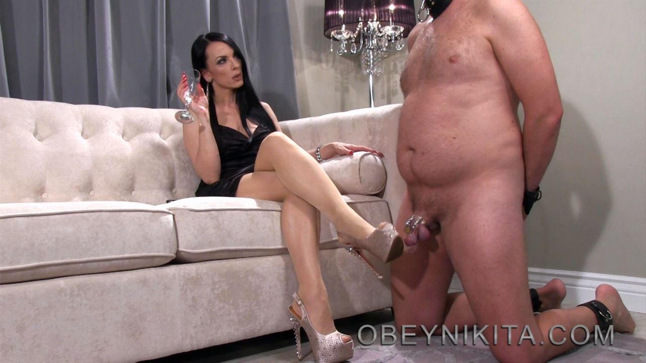 Mistress Nikita In Scene: Houseboi Shoe Service - OBEYNIKITA - HD/720p/MP4