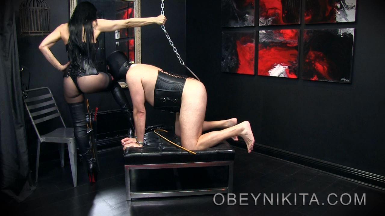 Mistress Nikita In Scene: Bootsniffer On A Hook - OBEYNIKITA - HD/720p/MP4
