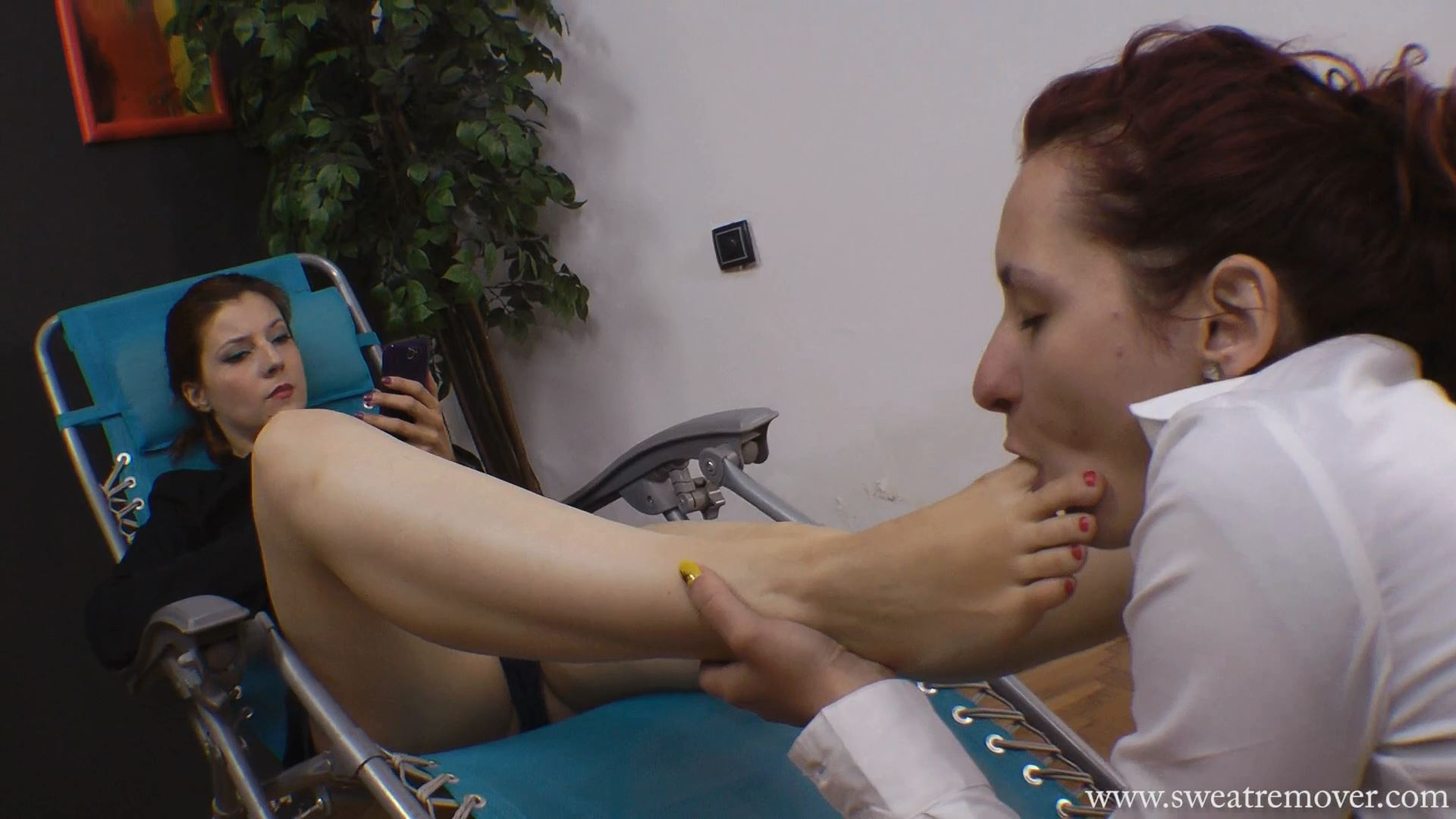Goddess Victoria In Scene: Blue chair for feet relaxation Part 2 - SWEATREMOVER - FULL HD/1080p/MP4