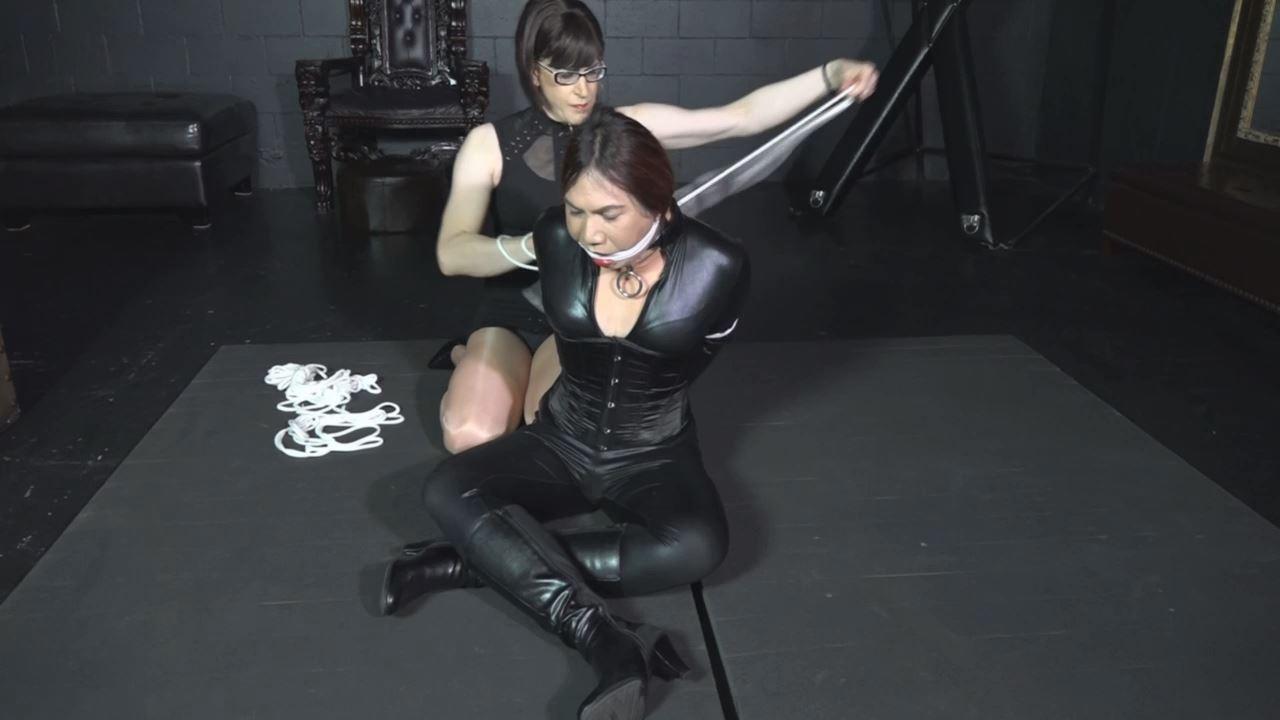 Ninja Spy Kaitlynn breaks into the dungeon - TRANNIESINTROUBLE - HD/720p/MP4