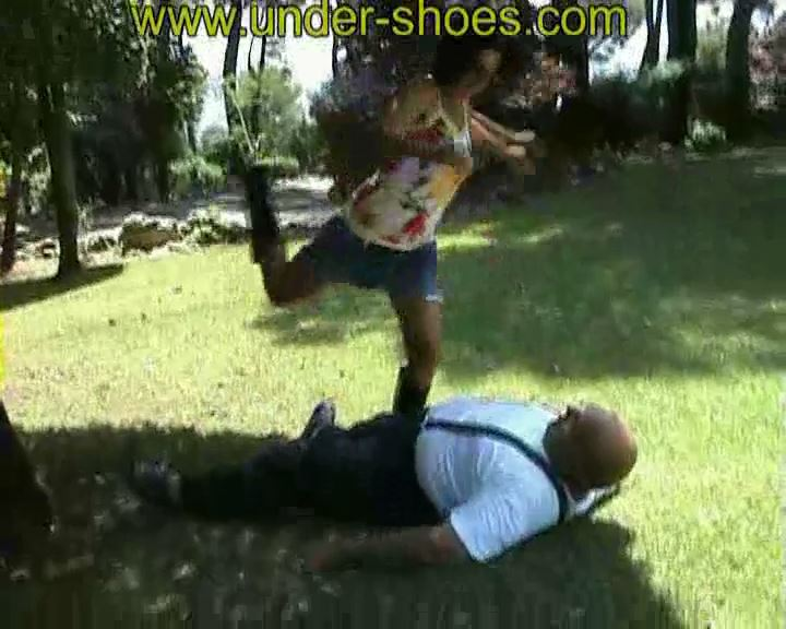August Busting Soraya - UNDER-SHOES - SD/576p/MP4