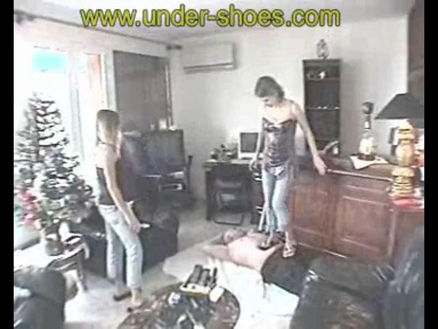 Laurie Audrey Tong - UNDER-SHOES - SD/480p/MP4