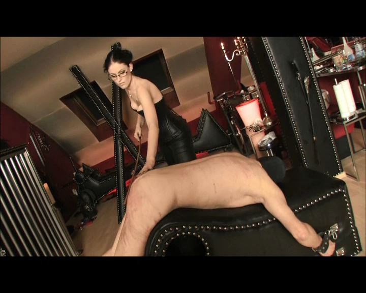 Mistress Blackdiamoond In Scene: Spanking Torture - BLACKDIAMOOND - SD/576p/MP4