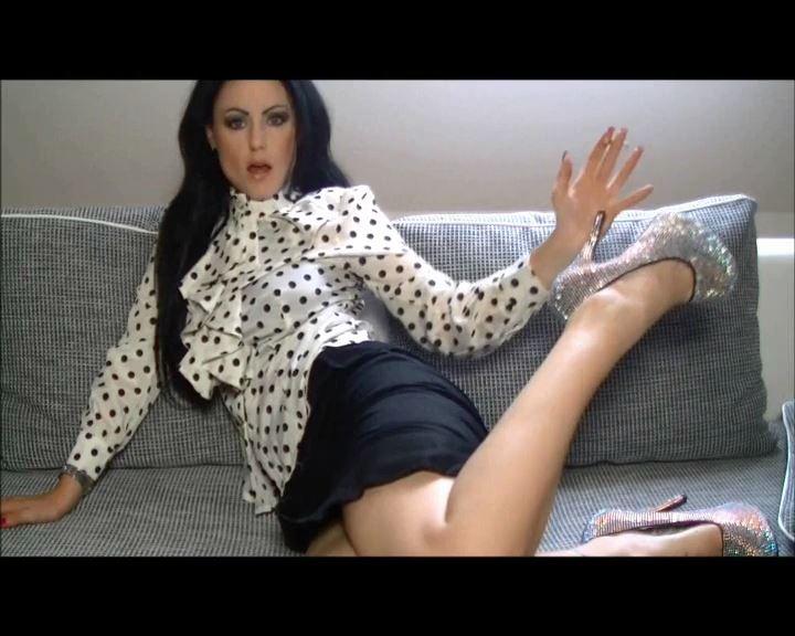 Mistress Blackdiamoond In Scene: Brainfuck With Smoke - BLACKDIAMOOND - SD/576p/MP4