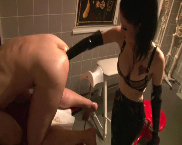 Mistress Blackdiamoond In Scene: Forearm Fisting Part 2 Cut - BLACKDIAMOOND - SD/576p/MP4