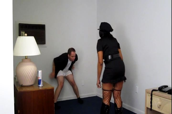 Ebony Policewoman Busts the Tipsyen New Year`s Perv - CRUDELIS AMATOR BALLBUSTING FETISH - SD/480p/MP4