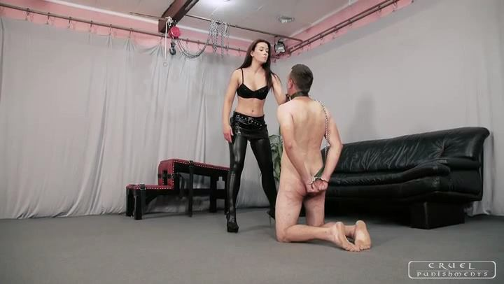 Mistress Anette In Scene: Brutal whips and slaps par1 - CRUEL PUNISHMENTS - SEVERE FEMDOM - SD/406p/MP4