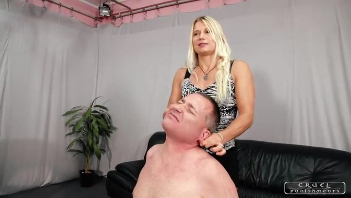 Mistress Zita In Scene: The eartwister - CRUEL PUNISHMENTS - SEVERE FEMDOM - SD/406p/MP4