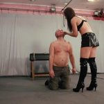Mistress Anette In Scene: Flying face smack – CRUEL PUNISHMENTS – SEVERE FEMDOM – SD/406p/MP4