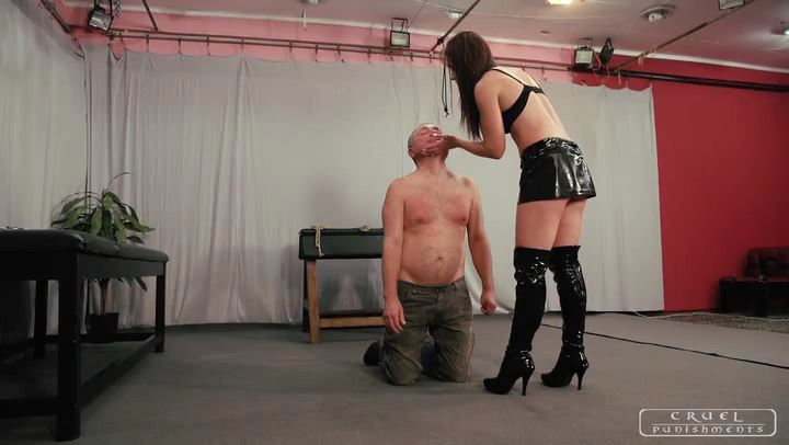 Mistress Anette In Scene: Flying face smack - CRUEL PUNISHMENTS - SEVERE FEMDOM - SD/406p/MP4