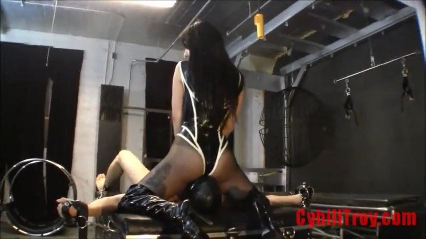 Mistress Cybill Troy In Scene: Assed Out - CYBILL TROY`S DTLA DOMINAS / CYBILLTROY - SD/480p/MP4