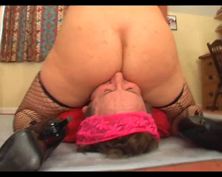 Gilly vs Dave - DEADLYFEMALES - SD/576p/MP4