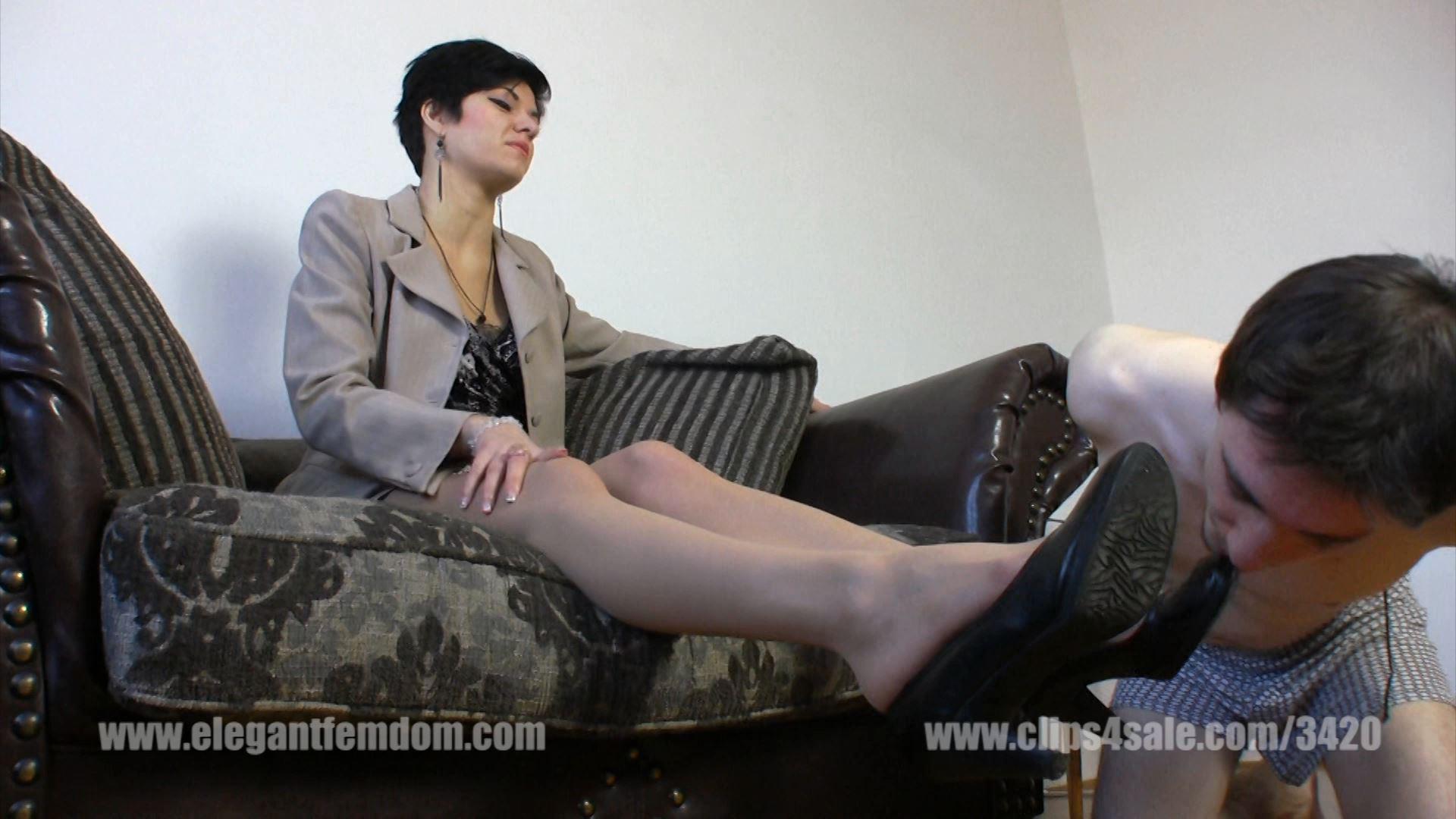 Roxanne arrives in elegant business dress - ELEGANTFEMDOM - FULL HD/1080p/MP4