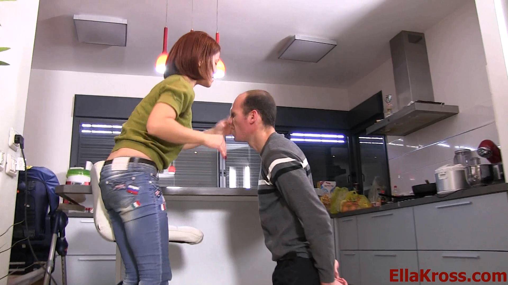 Ella Kross In Scene: Punishing a Stupid Robber's Ass Part 1 - ELLAKROSS - FULL HD/1080p/MP4