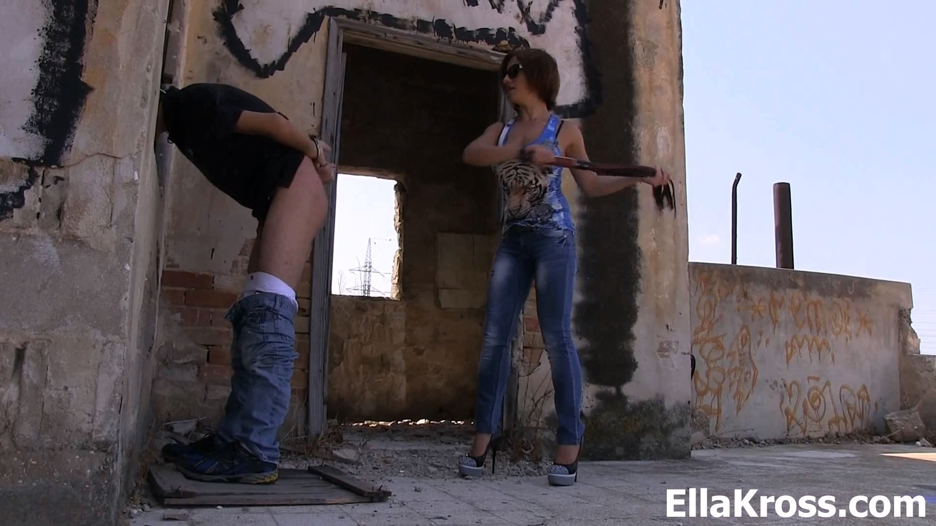 Ella Kross In Scene: Punishing An Incompetent Employee - ELLAKROSS - FULL HD/1080p/MP4